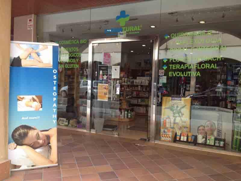 Exterior de una tienda Farmatural