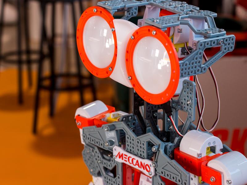 como abrir una tienda de robots