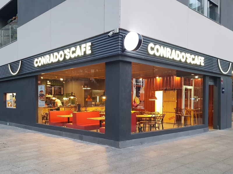 Local-conrados-cafe