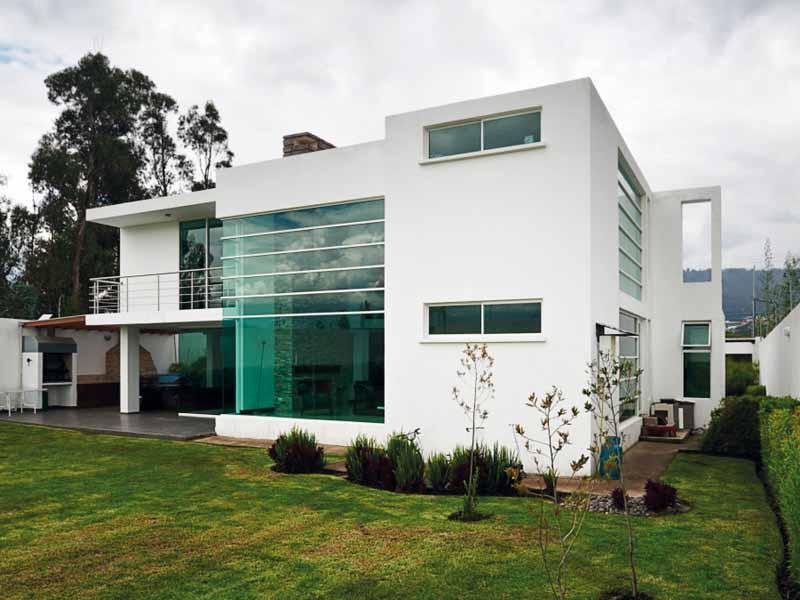 Casa moderna con cristaleras