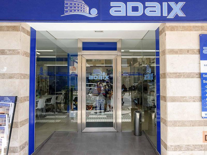 Primera formación en las oficinas de Adaix Expansión