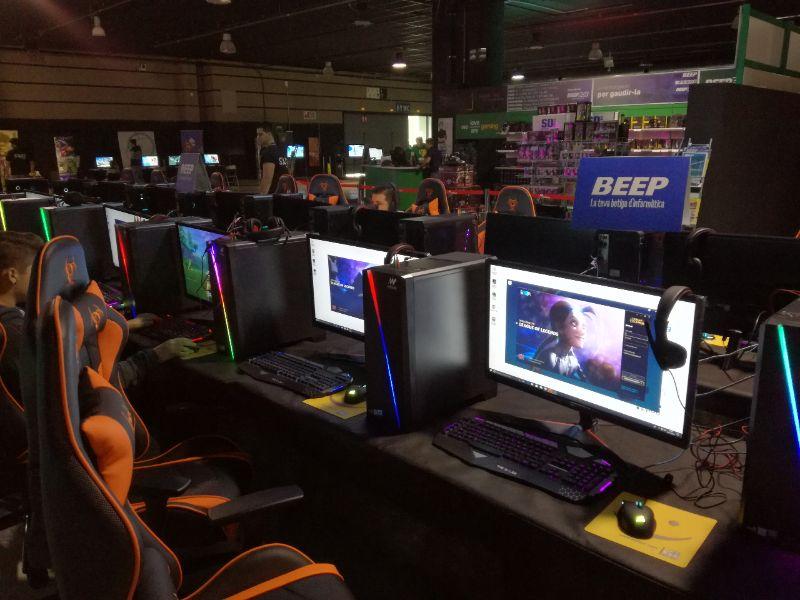 Beep y Pcbox ejecutan su primera feria gaming