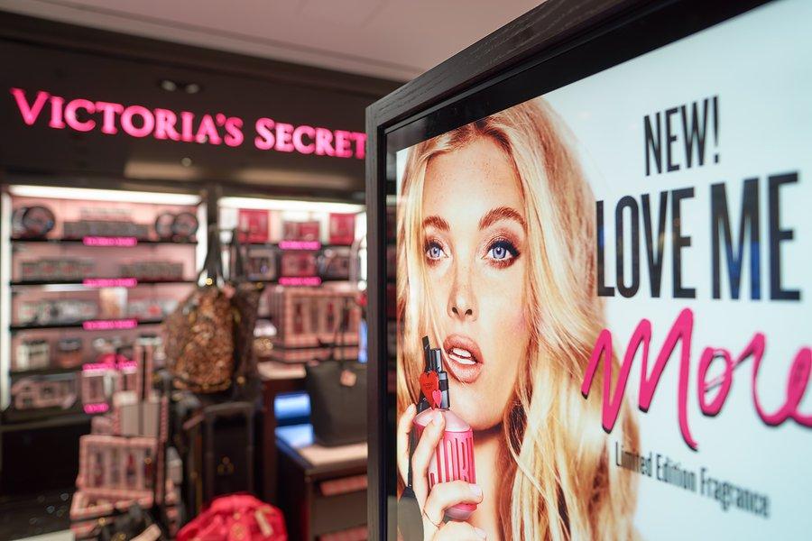 Victoria's Secret y su sucursal Pink descienden