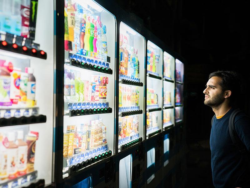 Casi el 50% de los consumidores utiliza las máquinas vending por su rapidez