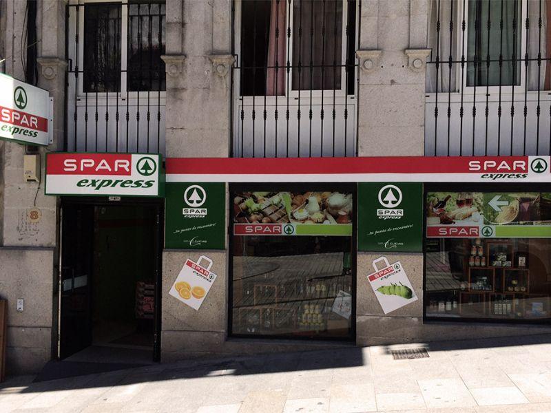 El Grupo Cuevas y  Spar Express ha realizado tres aperturas